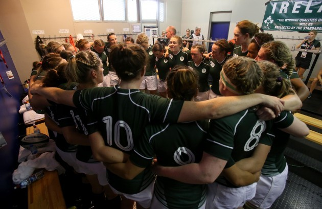 Fiona Coghlan talks to her team before the game