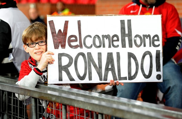 Soccer - UEFA Champions League - Round of 16 - Second Leg - Manchester United v Real Madrid - Old Trafford