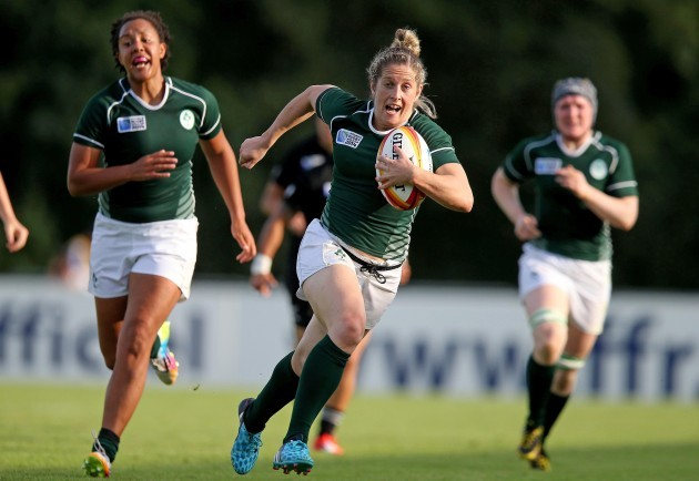 Alison Miller runs in for a try 5/8/2014