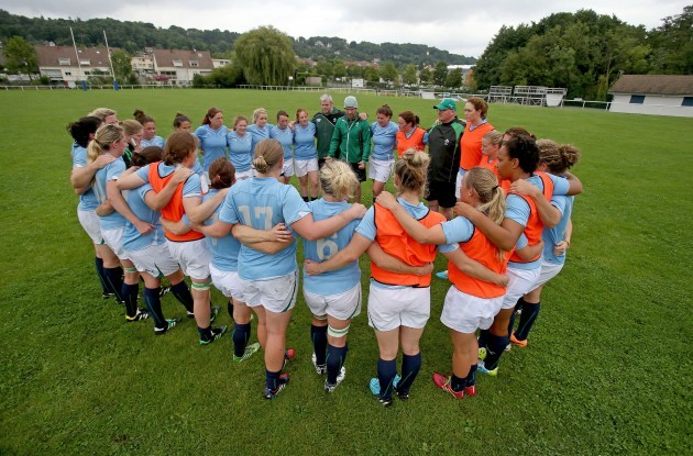 The Irish team huddle
