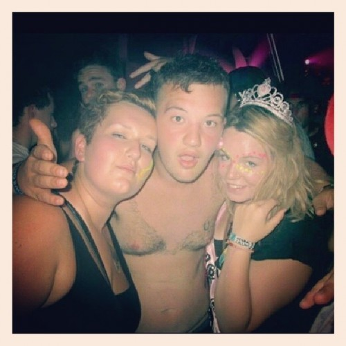Can not wait for @kendalcalling again with these two ! Hope fully @amybarlow139 @orianneemily #festival #2013 #2014 #drunk #party #girls #me #drunk