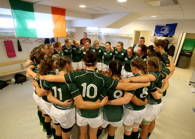 Ireland team huddle