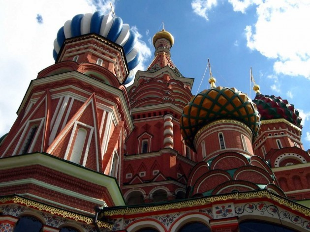 completed-in-1561-st-basils-cathedral-in-moscow-is-now-a-part-of-russian-national-identity