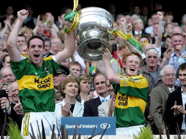 Declan O'Sullivan and Colm Gooch Cooper raise the Sam Maguire 17/9/2006