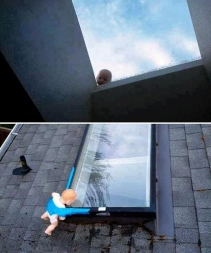 25-toy-baby-behind-window-prank