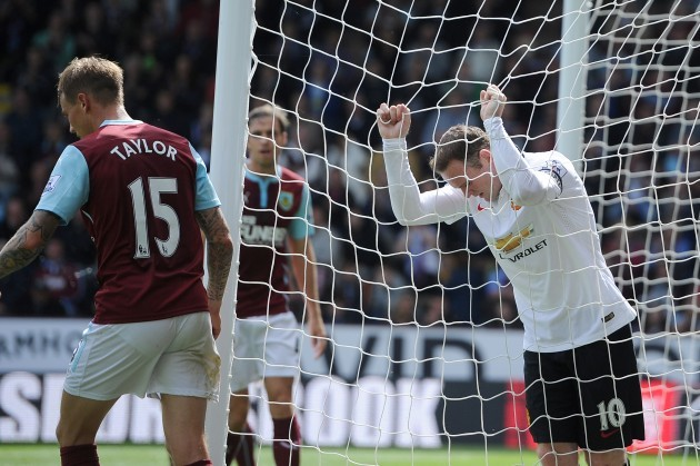 Soccer - Barclays Premier League - Burnley v Manchester United - Turf Moor