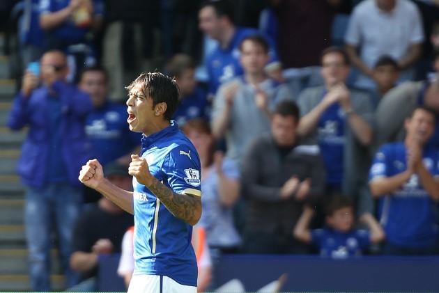 Soccer - Barclays Premier League - Leicester City v Arsenal - King Power Stadium