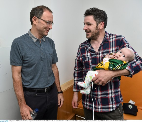 Republic of Ireland visit Temple Street Childrens Hospital