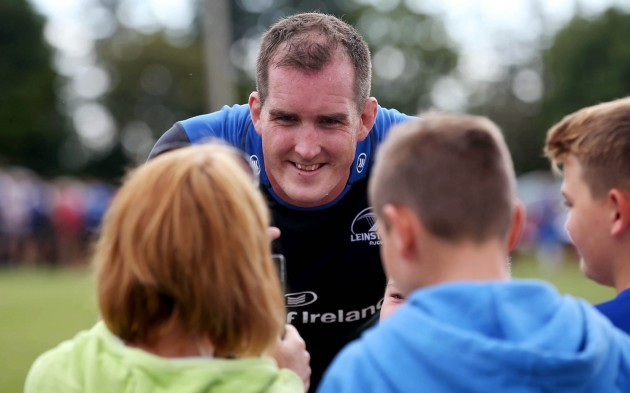 Devin Toner with Leinster supporters after training