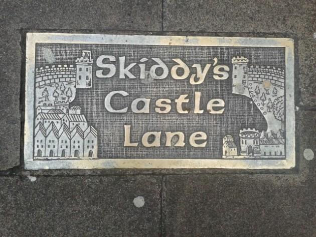 Skiddys Castle Lane Plaque