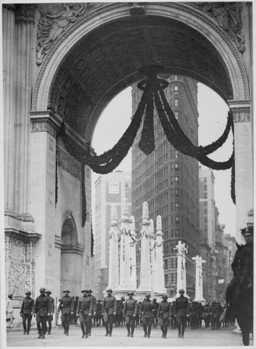 a-victory-arch-was-erected-near-madison-square-park-in-1919-after-world-war-i-ended-it-was-a-temporary-structure-built-of-wood-and-was-eventually-torn-down