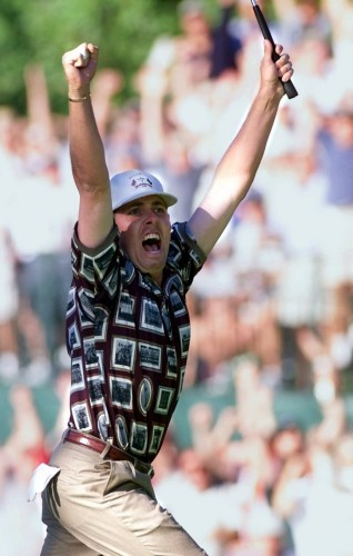 Golf - Ryder Cup - Final Round - 17th Hole - The Country Club - 1999