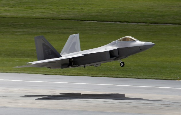 Japan US F-22 Problems Predicted