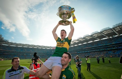 Bryan Sheehan and Kieran O'Leary lift the Sam Maguire