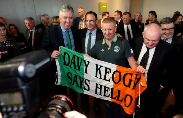 Martin OÕNeill and John Delaney with fan Davy Keogh