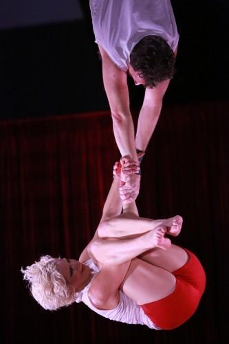 Tumble Circus Trapeze