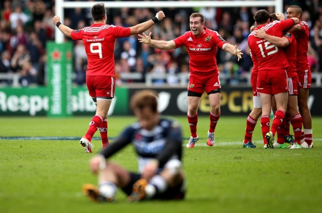 Conor Murray and JJ Hanrahan celebrate at the final whistle