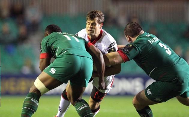 Louis Ludik tackled by Vereniki Geoneva and Fraser Balmain