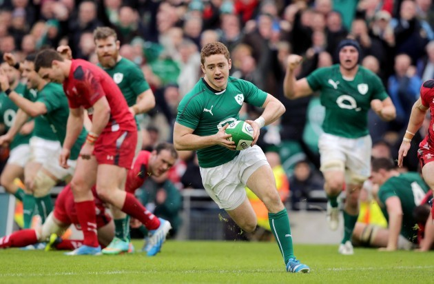 Paddy Jackson scores a try