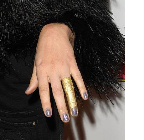 gold_finger.jpg