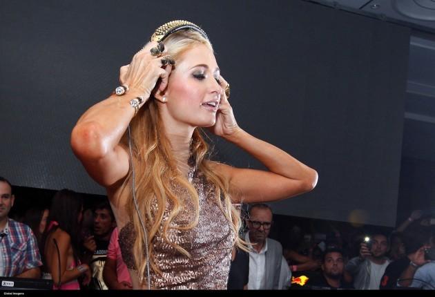 Paris Hilton guest appearance - Pacha nightclub