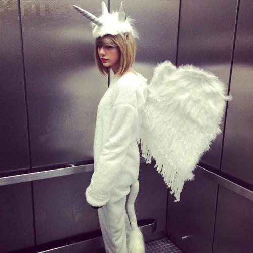 Cause, darling I'm a nightmare dressed like a PEGACORN. #HappyHalloween!