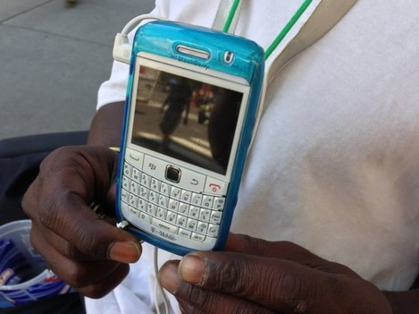 king-uses-a-blackberry-that-a-stranger-gave-him-after-the-stranger-upgraded-to-a-samsung-galaxy-s3-i-want-to-get-on-facebook-twitter-all-that-stuff-he-said-king-also-uses-mobile-email-to-find-odd-jobs