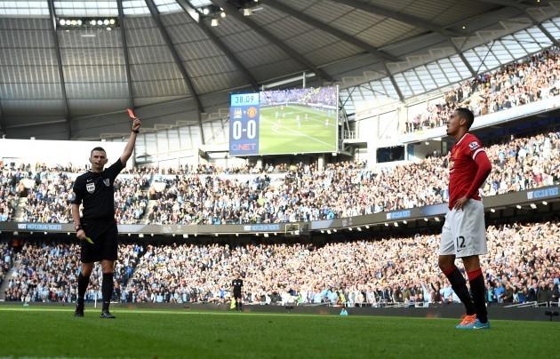 Soccer - Barclays Premier League - Manchester City v Manchester United - Etihad Stadium