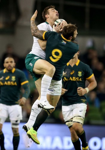 Tommy Bowe with Francois Hougaard