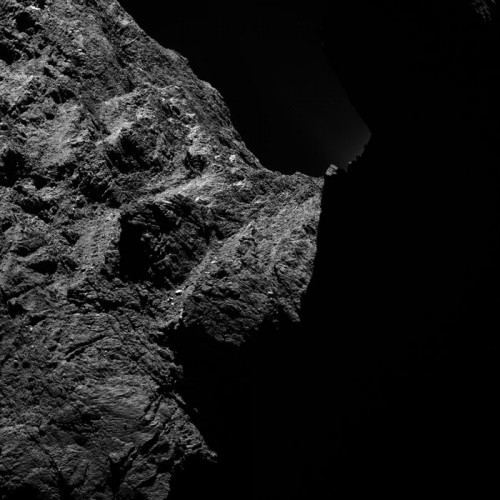 Comet_detail_30_October_2014_a_node_full_image_2