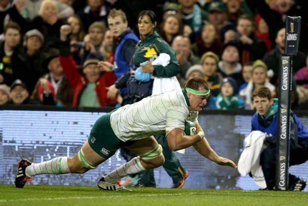 Rhys Ruddock scores a try