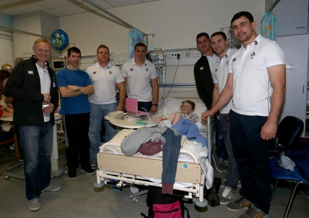 Joe Schmidt, Sean Cronin, Tommy O'Donnell, Robbie Diack, Darren Cave and Felix Jones with Mikayla O'Sullivan and her Dad Michael