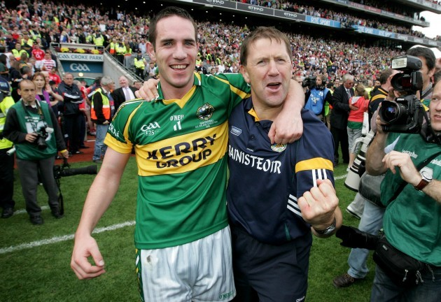 Declan O'Sullivan and Manager Jack O'Connor celebrate victory
