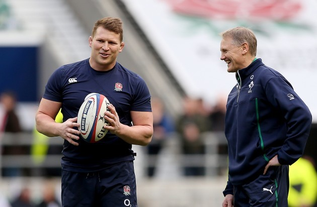 Dylan Hartley talks with Joe Schmidt before the game