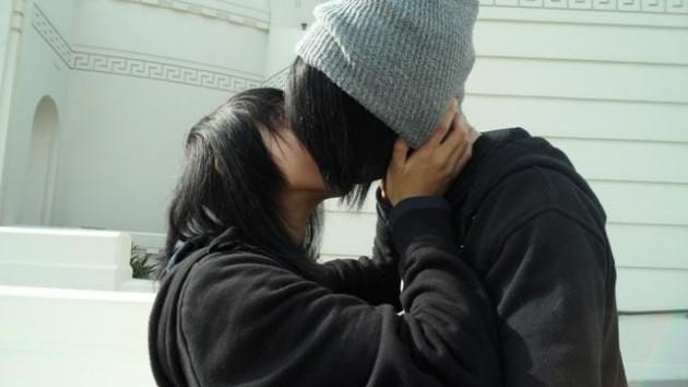 Emo Kissing