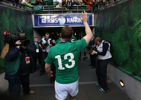 Brian O'Driscoll leaves the pitch after the game