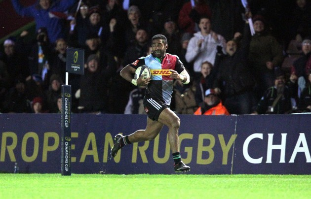 Aseli Tikoirotuma breaks free to score their second try