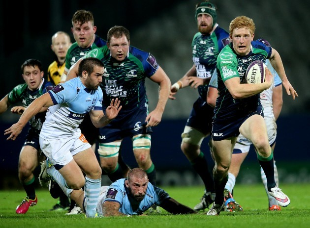 Darragh Leader makes a break leading to his side's first try