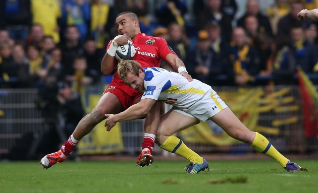 Simon Zebo is tackled by Nick Abendanon