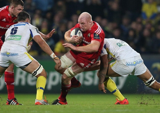 Munster's Paul O'Connell is tackled