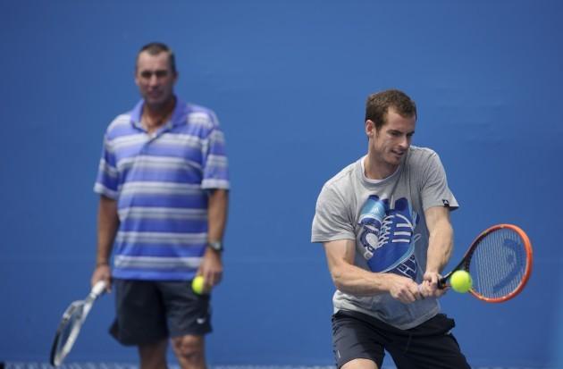 Tennis - 2014 Australian Open - Day Seven - Melbourne Park