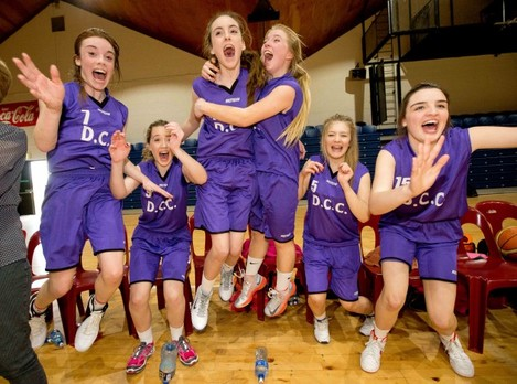 Lizzie Morland, Laura Quinn, Sarah Kelly, Ailis Bruce, Holly Murphy and Hayleigh Reynolds celebrate