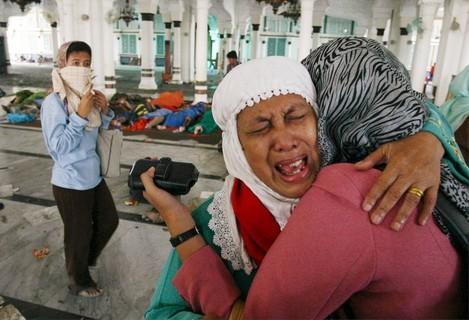 INDONESIA QUAKE TIDAL WAVES