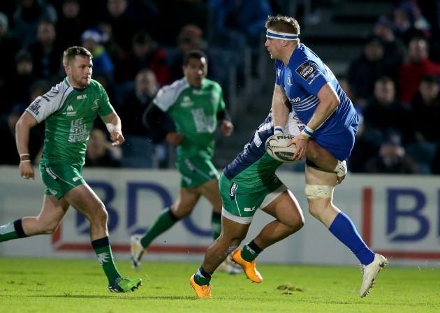 Jamie Heaslip tackled by Bundee Aki