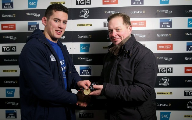 Noel Reid receives the Guinness PRO12 man of the match award from Robert Flavin
