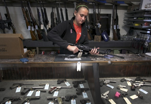 US Gun Store - Assault Rifle - Newport, Virginia