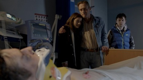 EMBARGOED until Monday 29th December 2014 - Red Rock - Episode 1 (2)