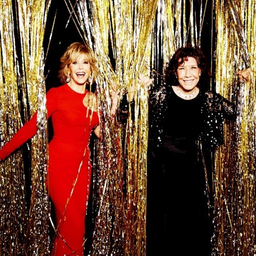 Jane Fonda and Lily Tomlin at the 2015 #goldenglobes (Photo by @ellenvonunwerth)