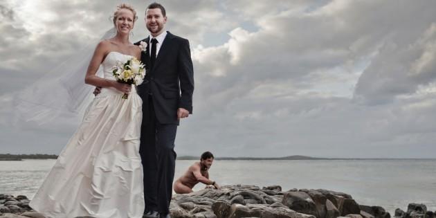 A Gollum Look-Alike Pulled Off A Legendary Wedding Photobomb