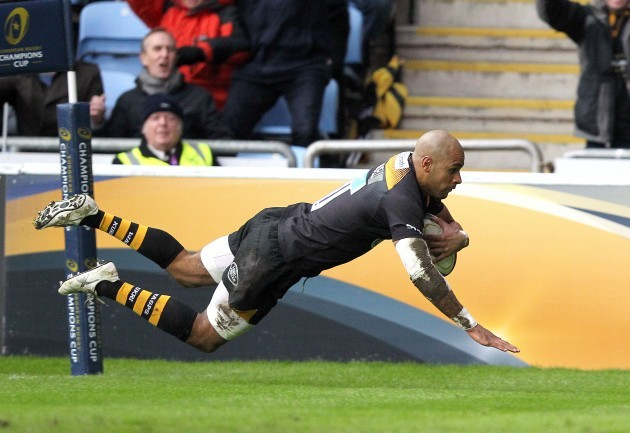 Tom Varndell scores a try that was disallowed